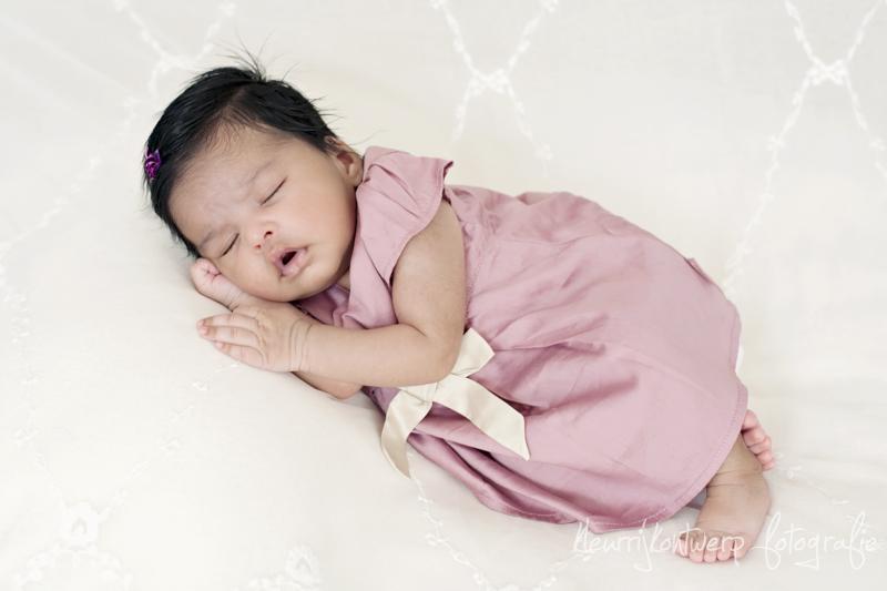 Babyfotografie Den Haag | baby Neha | 6 weken oud