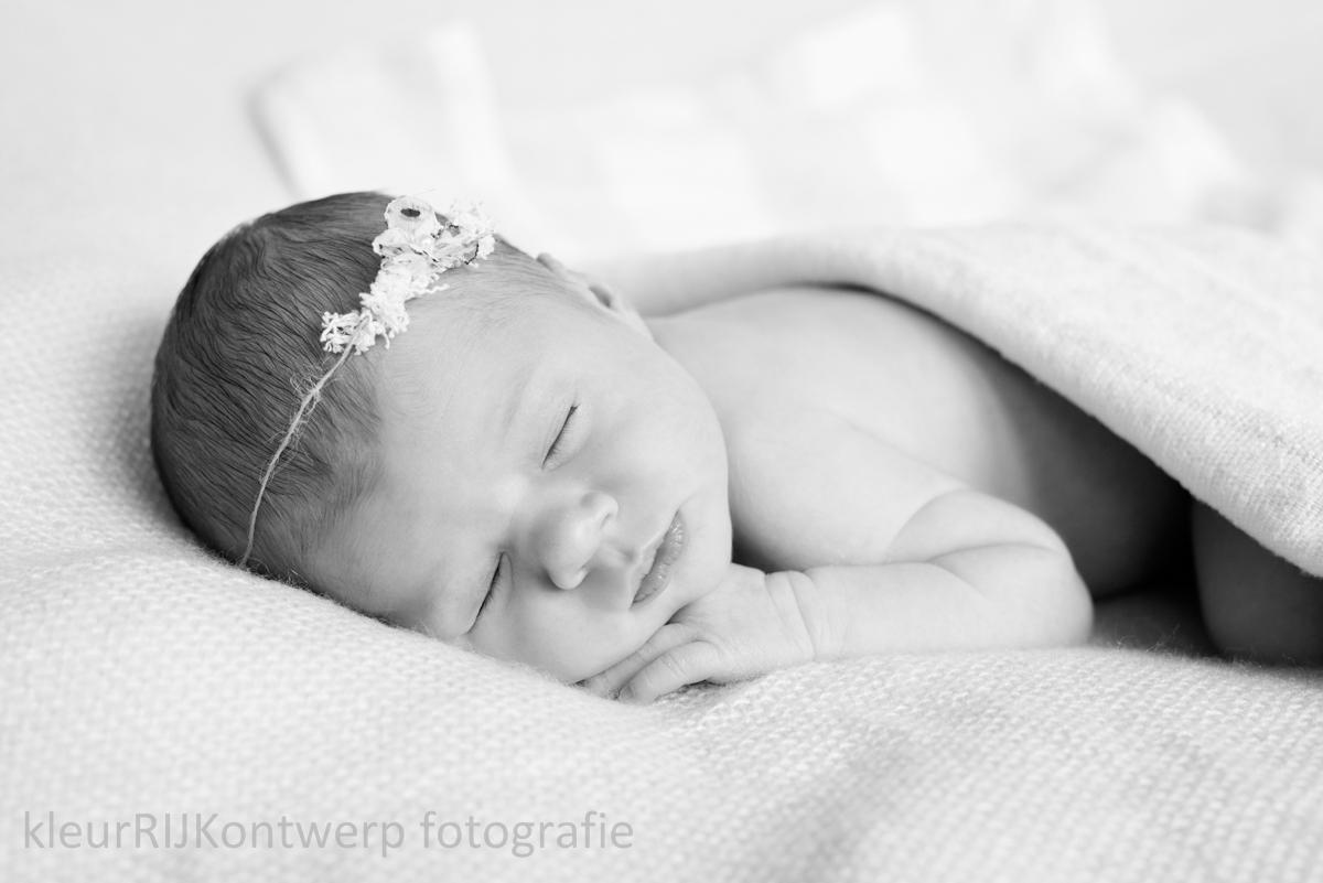 newborn shoot lief meisje