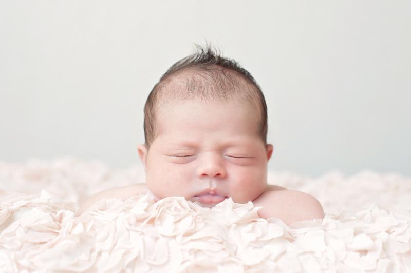 Newborn fotoshoot Alkmaar | Baby meisje