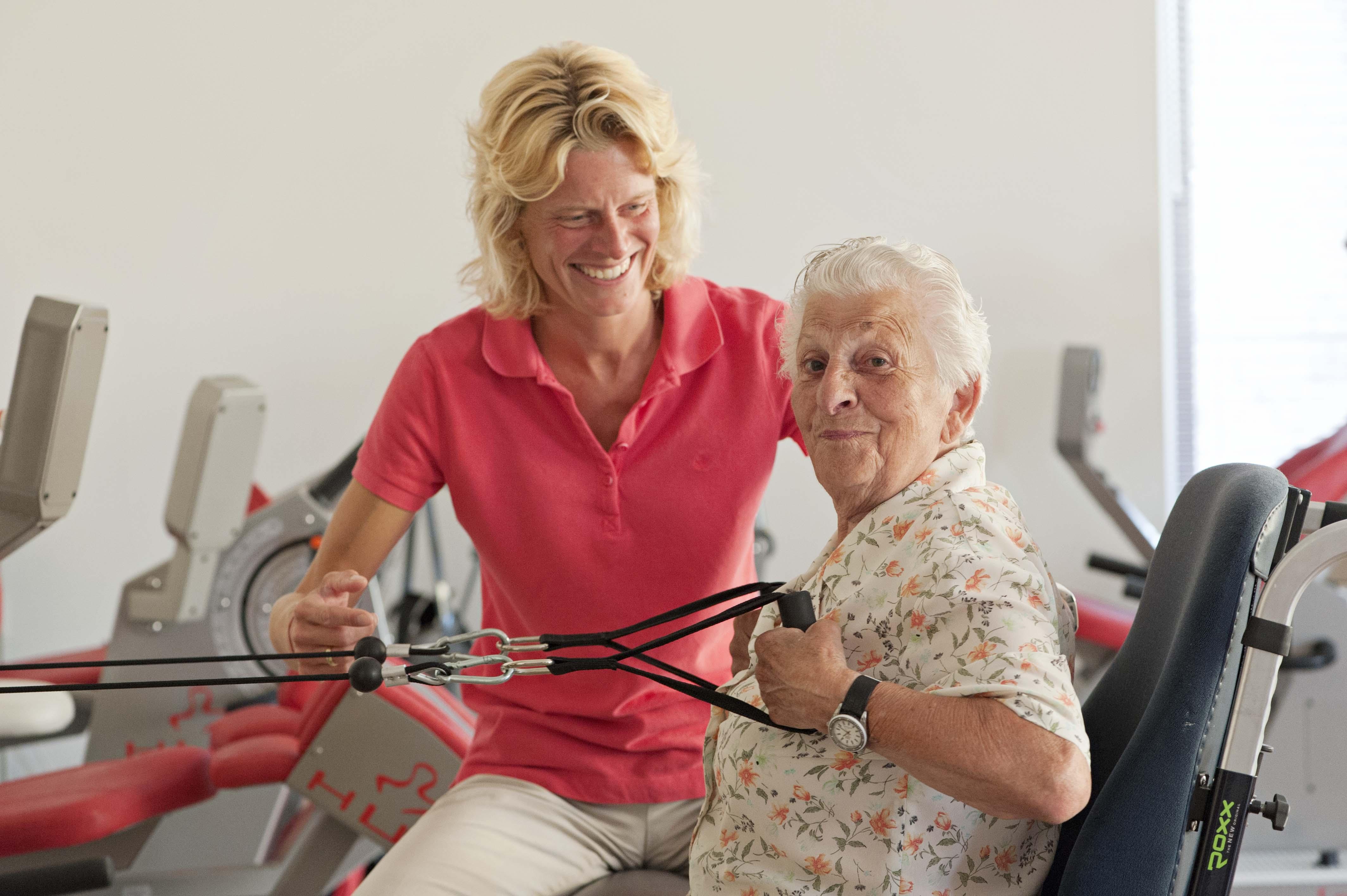 ouderen in een zorginstelling