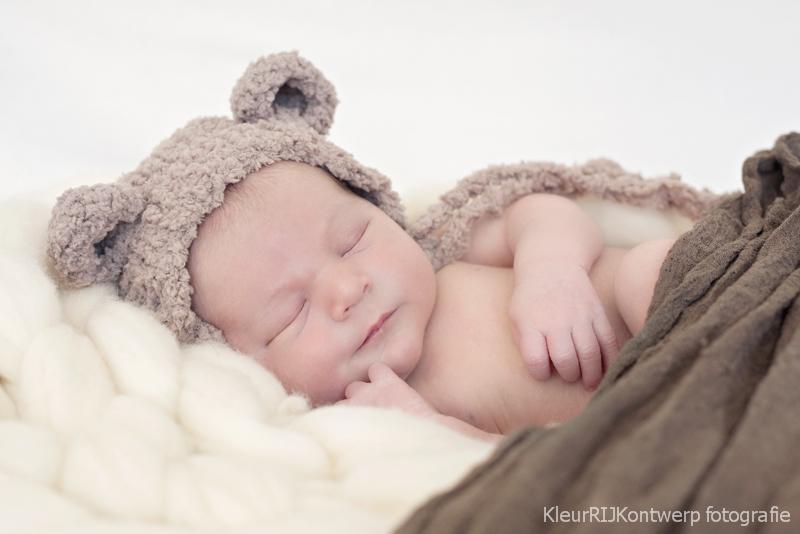newborn fotosessie aan huis