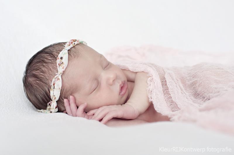 Newborn fotografie baby Yve