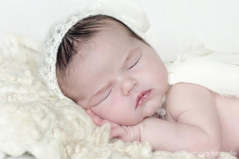 Newborn fotografie baby Nina