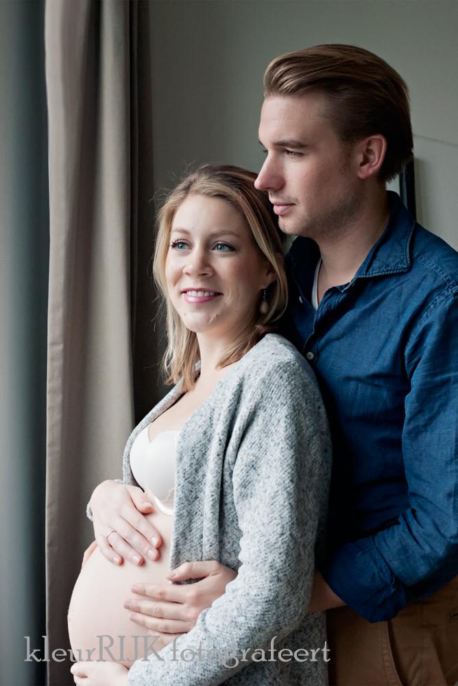 Zwangerschapsshoot bij je eigen thuis