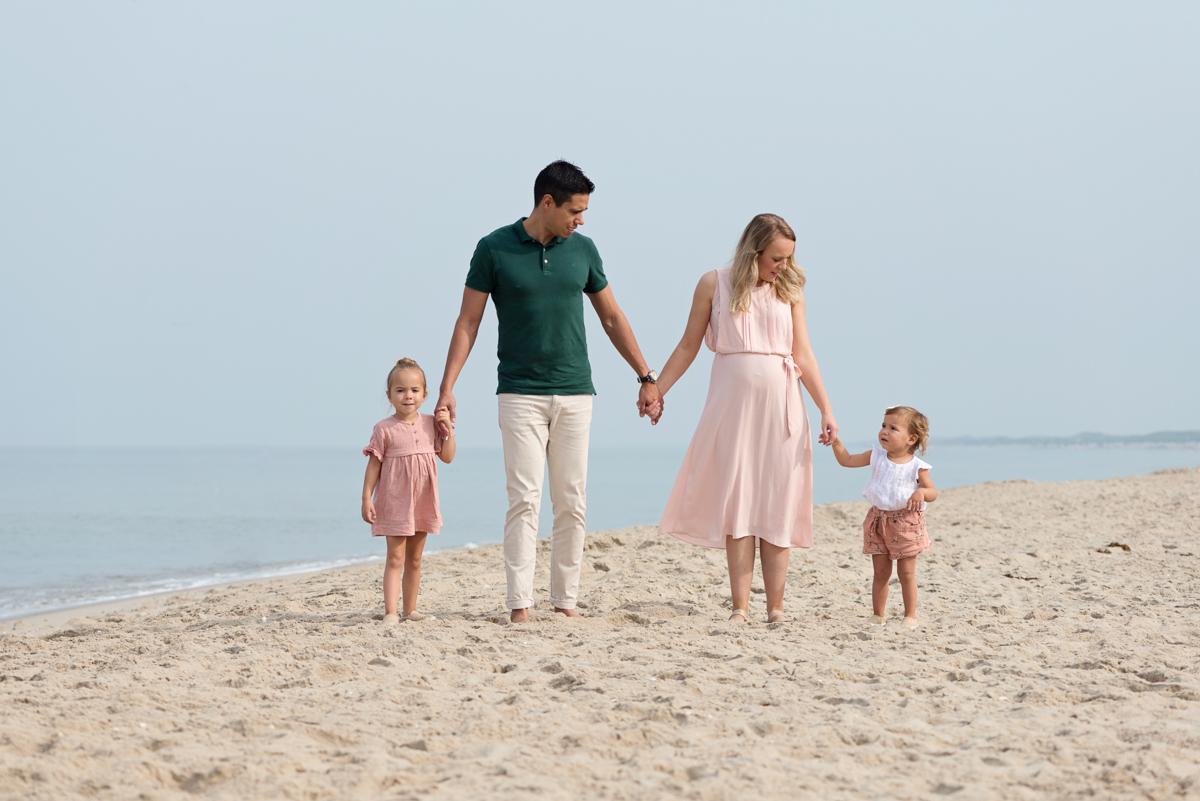 Familie strandshoot op een mooie zonnige dag