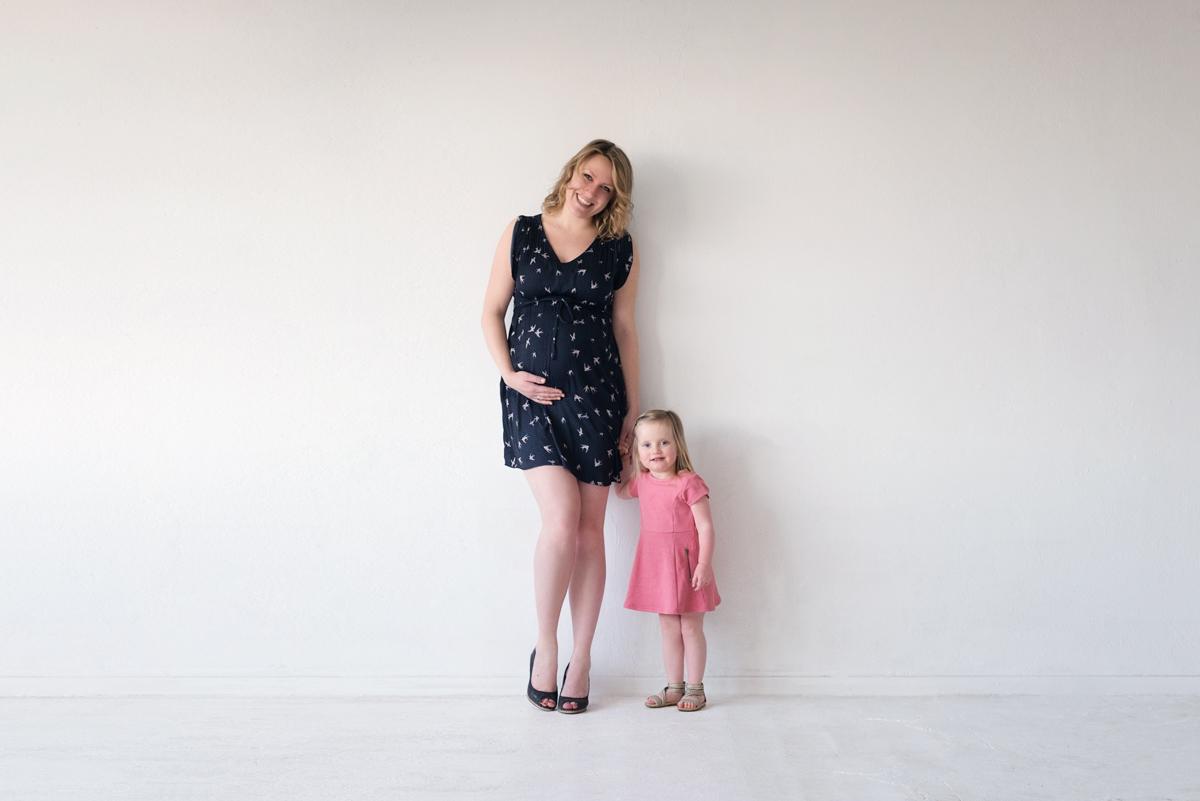 Zwangerschapsfotografie moeder en dochter