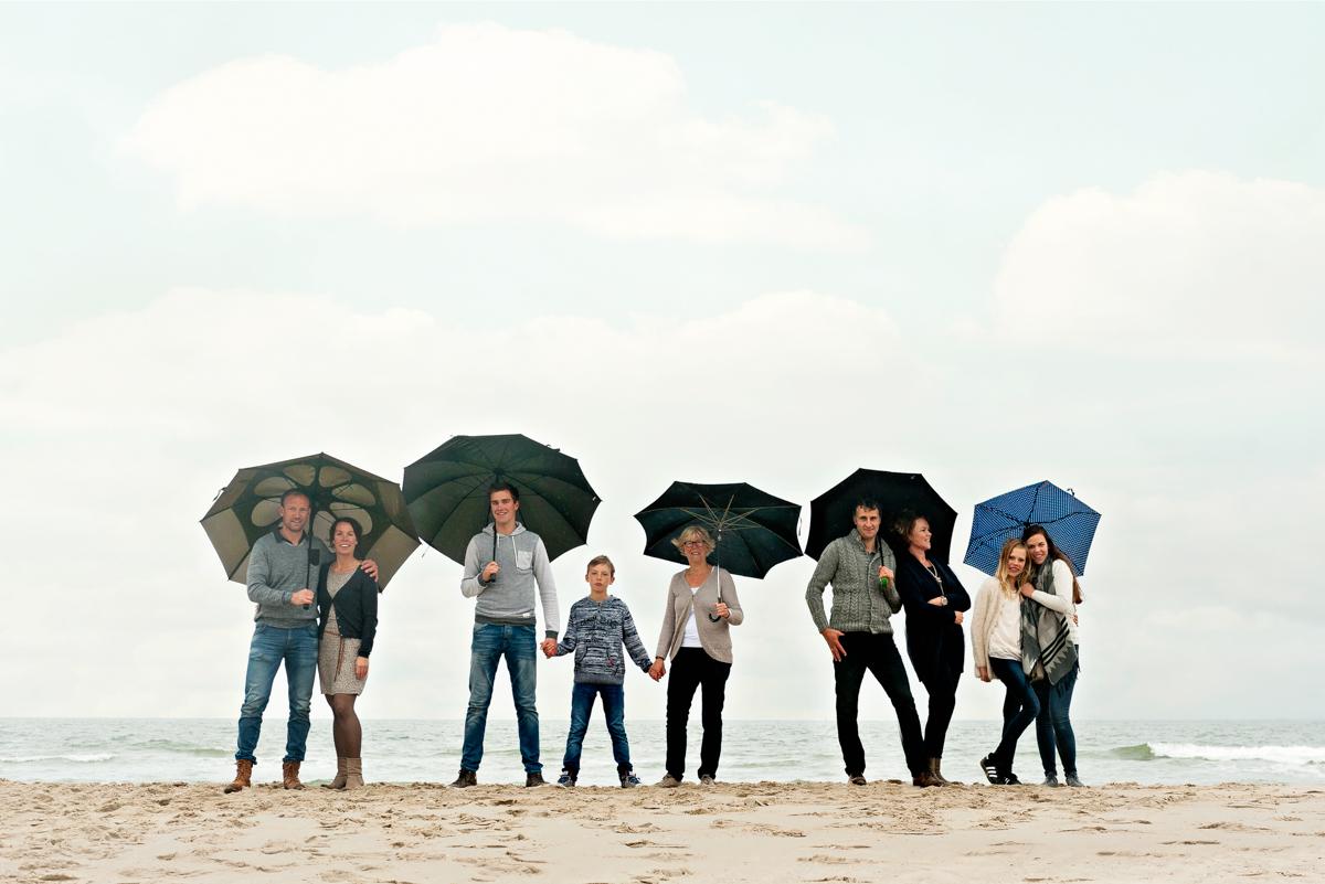 kleding familie fotoshoot paraplu