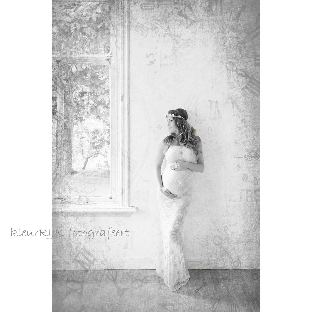 kleding zwanger fotoshoot wit kant