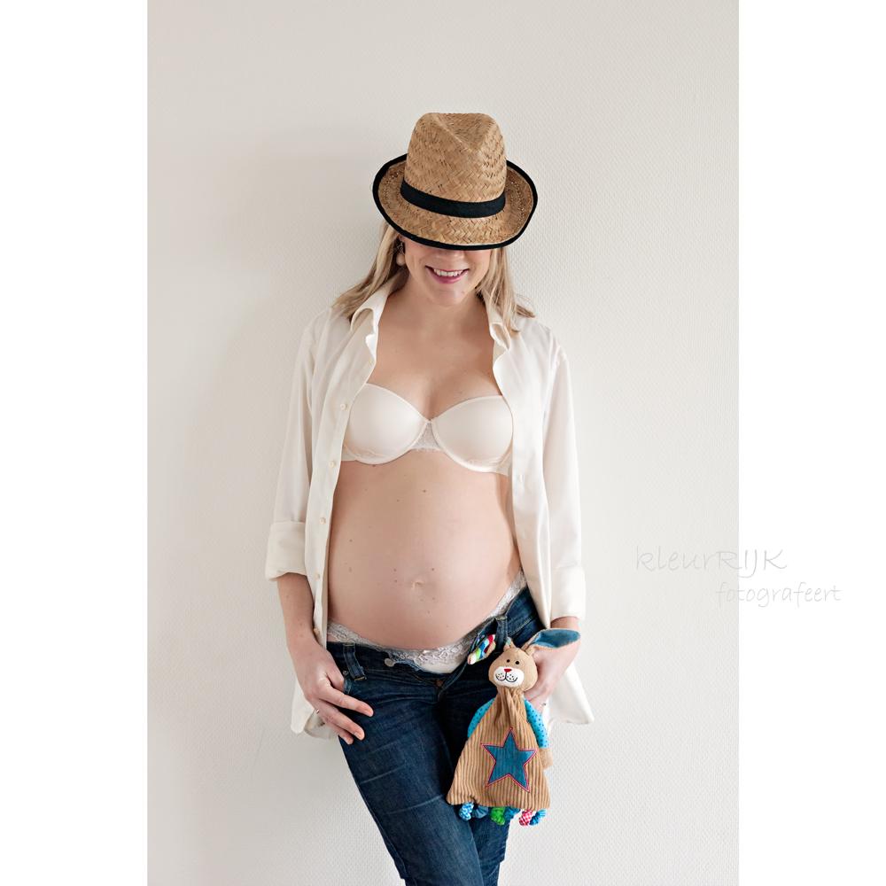 kleding zwanger fotoshoot wit overhemd