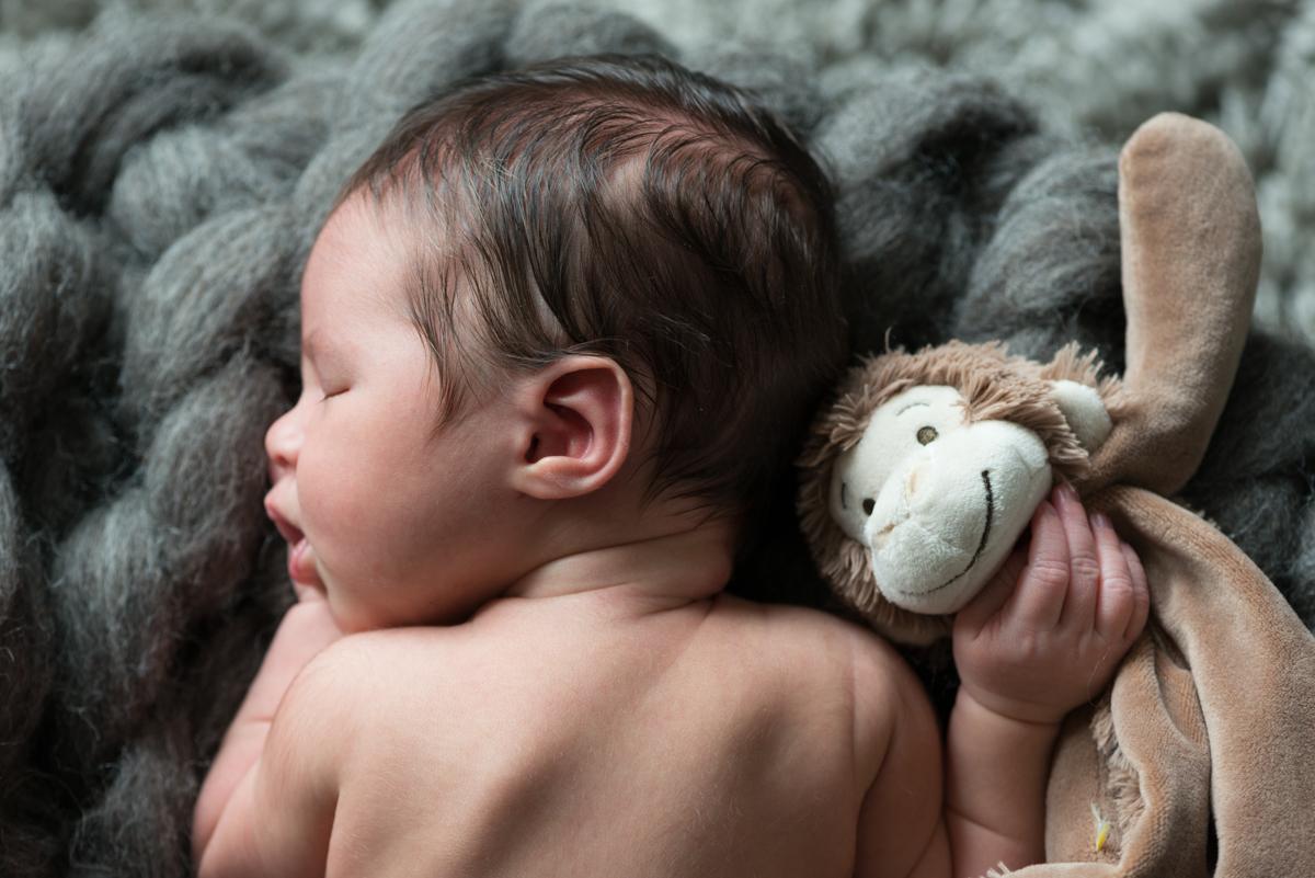 newborn shoot thuis buikfoto