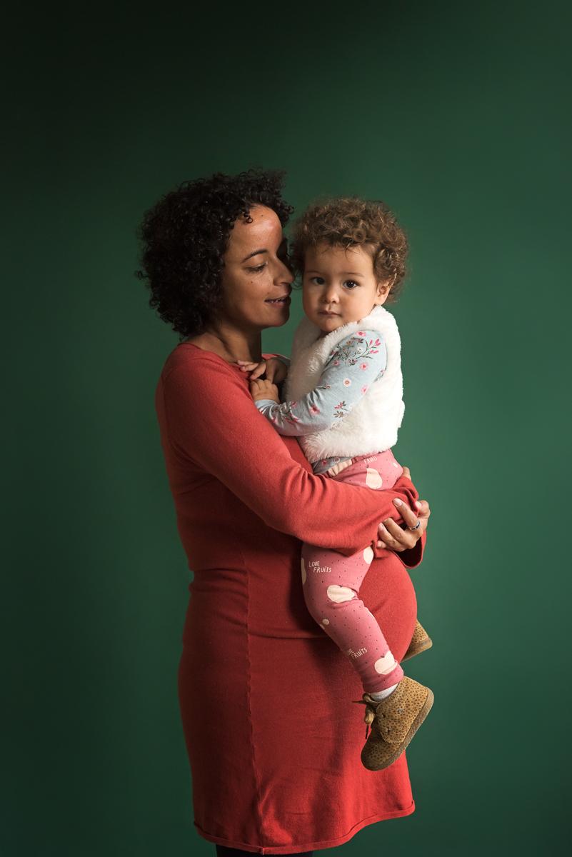 Tweede kindje op komst | zwangerschapsfotografie met je dochter