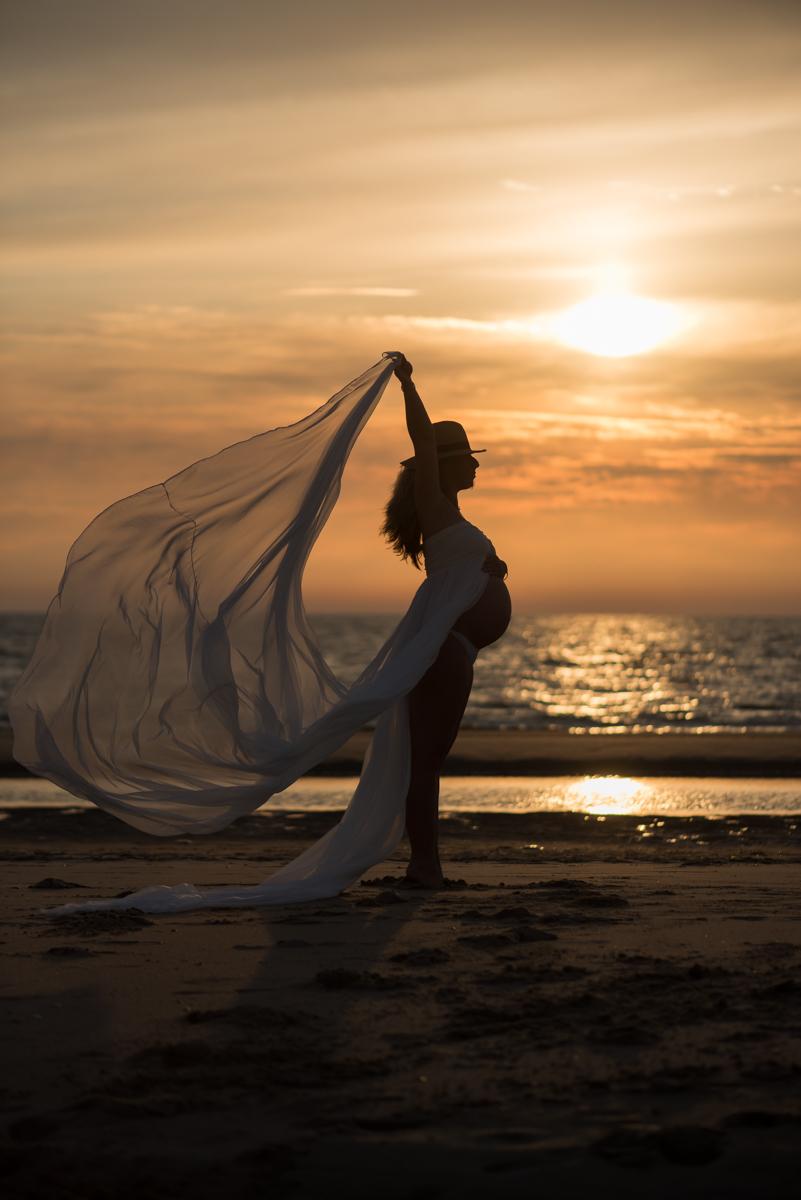 Zwangerschapsfotoshoot met Zonsondergang